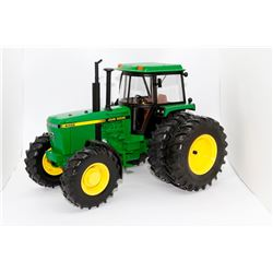 John Deere 4455 tractor 25th Anniversary Ertl 1:16 Has Box