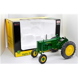 John Deere MT gas tractor Highly Detailed Classic Series 1:16 Has Box