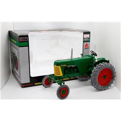 Oliver Highly Detailed Super 88 diesel tractor SpecCast 1:16 Has Box