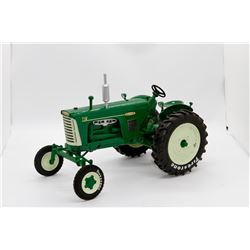 Oliver Highly Detailed 770 gas WF & 880 diesel WF Anniversary tractor set