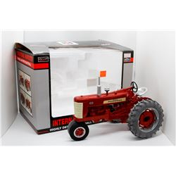 IH Highly Detailed Farmall 450 w/ electrall SpecCast 1:16 Has Box