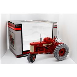 IH Highly Detailed Farmall 450 LP-Gas tractor SpecCast 1:16 Has Box