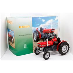Massey Ferguson 135 Universal Hobbies 1:16 Has Box