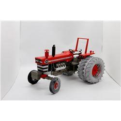 Massey Ferguson Highly Detailed 1150 tractor w/ duals SpecCast 1:16 Has Box