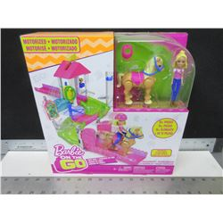 Motorized Barbie on the GO / 15 pieces Pony Race