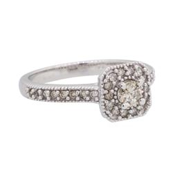 0.5 ctw Diamond Ring - 10KT White Gold