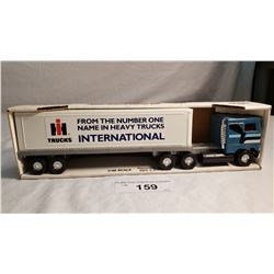 Diecast Tractor Trailer International ERTL