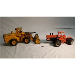ERTL Articulated Pay Loader And Tractor