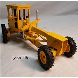 John Deere Motor Road Grader 1/16 Ertl Toy