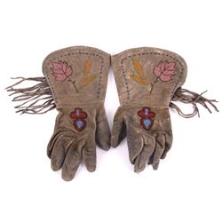 Blackfeet Beaded Gauntlet Gloves c. 1900-
