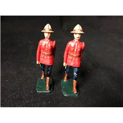 BRITAIN TOY SOLDIERS LOT