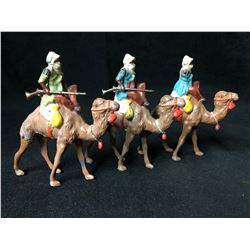 BRITAINS TOY SOLDIERS CAMEL CORPS WITH GUNS