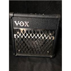 VOX Mini5 Rhythm Guitar Amp (DC 12 VOLT)