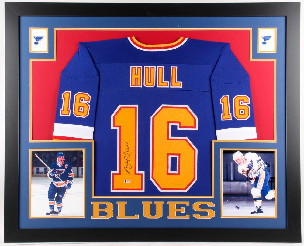 cheaper 6d877 9e954 Brett Hull Signed St. Louis Blues 35x43 Custom Framed Jersey