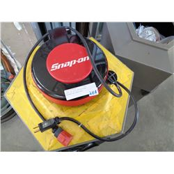 SNAP ON SELF RETRACTING EXTENTION CORD REEL