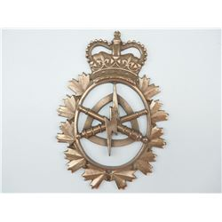 CANADIAN LAND ORDNANCE ENGINEERING LARGE CAST BADGE