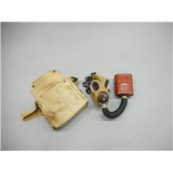 WWII CANADIAN GAS MASK WITH BAG