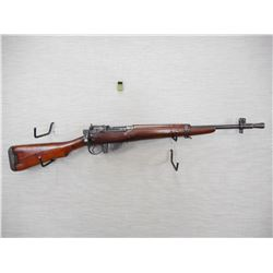 WWII ERA, LEE ENFIELD  , MODEL: NO 5 MK1 JUNGLE CARBINE , CALIBER: 303 BR