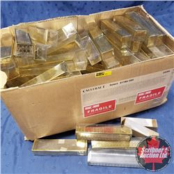 "Box Lot - Packaging (100) : 6-3/4"" x 1-1/2"" x 1"" Clear/Gold Plastic"