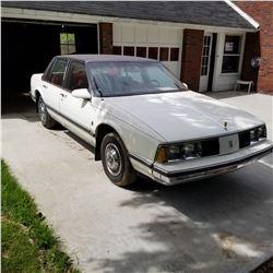1986 OLDSMOBILE DELTA 88 ESTATE CAR