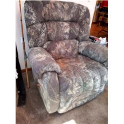 X-LARGE CAMO RECLINER