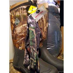 NEW NEVER WORN CAMO MUCK BOOTS SIZE 10 *NEW* w MOSSY OAK GLOVES *NEW*