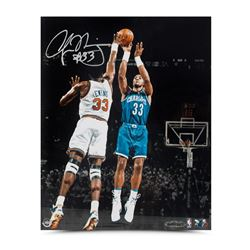 Alonzo Mourning Signed Hornets  Foul Line Jumper  8x10 Photo (UDA COA)
