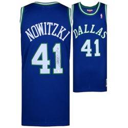 Dirk Nowitzki Signed Mavericks Throwback Jersey (Fanatics Hologram)