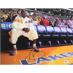 Kobe Bryant Signed Lakers 11x14 Photo (PSA LOA)