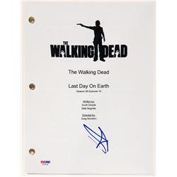"""Andrew Lincoln Signed """"The Walking Dead"""" Full-Episode Script (PSA COA)"""