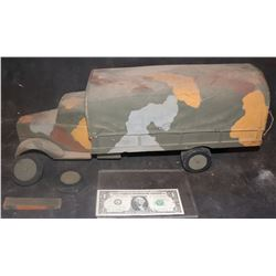 MINIATURE ANTIQUE PASSAGE TO MARSEILLE MILITARY TRUCK WWII 1