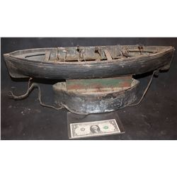 ZZ- ANTIQUE FILMING MINIATURE MOBY DICK 1930 10 OAR HERO WHALING BOAT WITH OARING MECHANISM INTACT