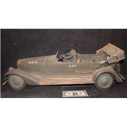 ZZ- ANTIQUE FILMING MINIATURE PASSAGE TO MARSEILLE SCREEN MATCHED RAF STAFF CAR HUMPHREY BOGART CLAU