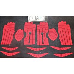 SPIDER-MAN FAR FROM HOME GLOVES COMPLETE CUT SET