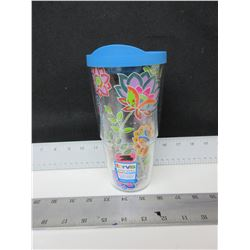 New Tervis Hot & Cold 24 oz Tumbler / $ 24.99 tags / made in USA.