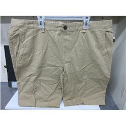 New Pair Casual Shorts size 38 beige