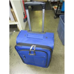 New Carry -On Spinner Luggage / Blue