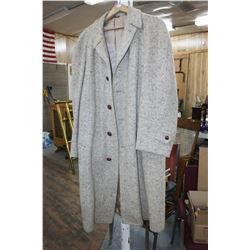 Fishmans - The Pas, Manitoba - Men's Wood Tweed Over Coat (Lined) - Large