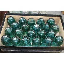 Box w/21 Dark Green Brockfield Insulators (Medium Sized)
