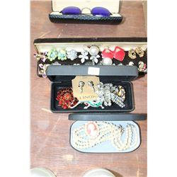 Assorted Costume Jewellry - Broaches, Earrings, etc.