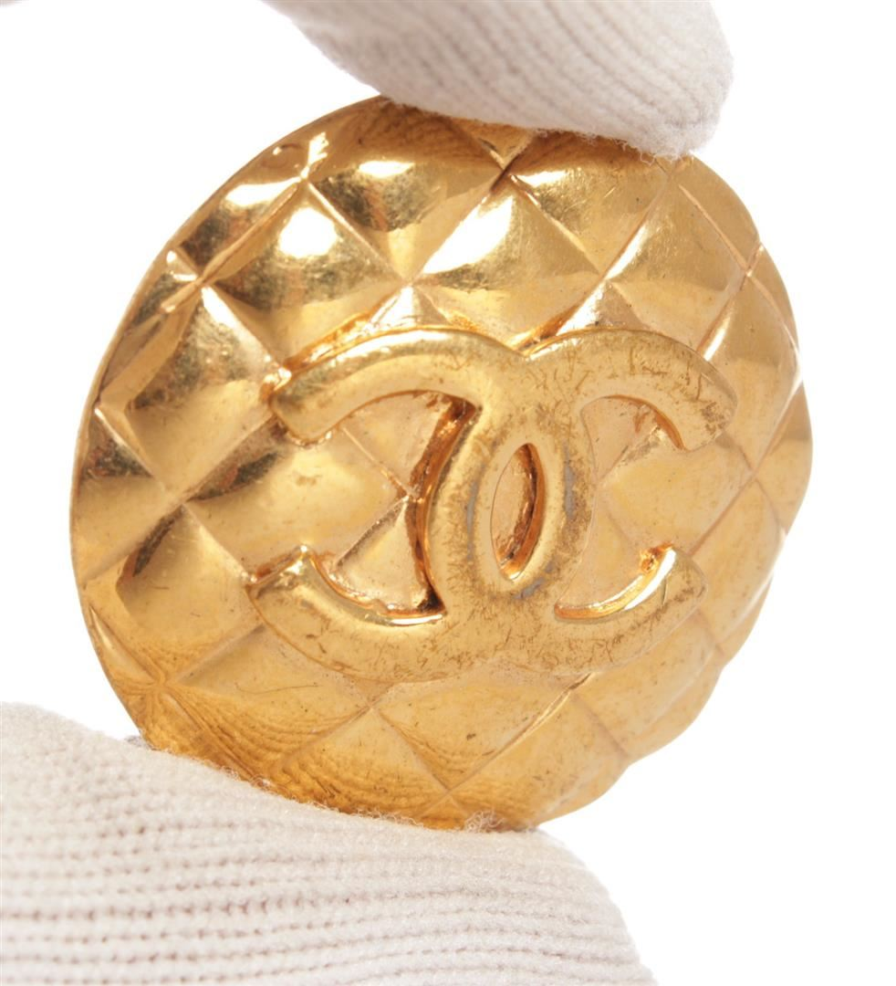 c5b9070a66dd7 Chanel Gold CC Round Quilted Large Vintage Clip On Earrings