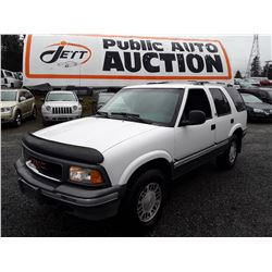 A9 --  1995 GMC JIMMY , White , 271071  KM's