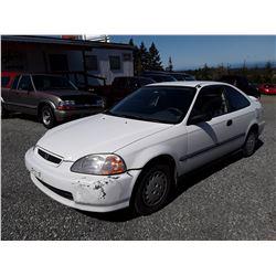L3 --  1996 HONDA CIVIC DX , White , 322213  KM's