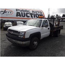 0A --  2001 CHEVROLET  FLATDECK  DUMPBOX Diesel , White , 105283  KM's