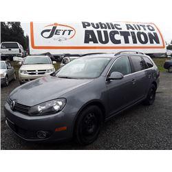 F3 --  2013 VW GOLF TDI , Grey , 156157  KM's 10YR OR 193,000 KM WARRANTY