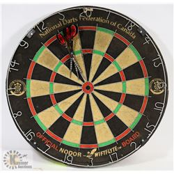 NODOR DART BOARD WITH A SET OF DARTS.
