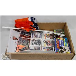 BIG BOX HOCKEY CARDS WITH OILERS FLAG