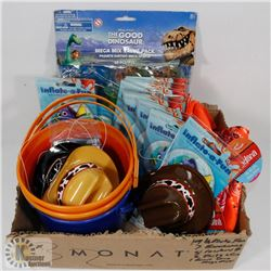 BOYS PARTY PACK INCL 19 DORY FANS, 7 BANDANAS, 8