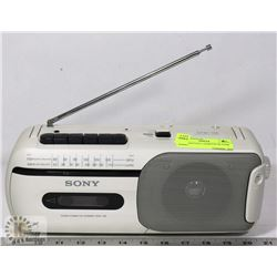 SONY VINTAGE CASSETTE PLAYER RADIO