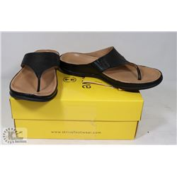STRIVE MAUI WOMANS BLACK SZ 8.5-9